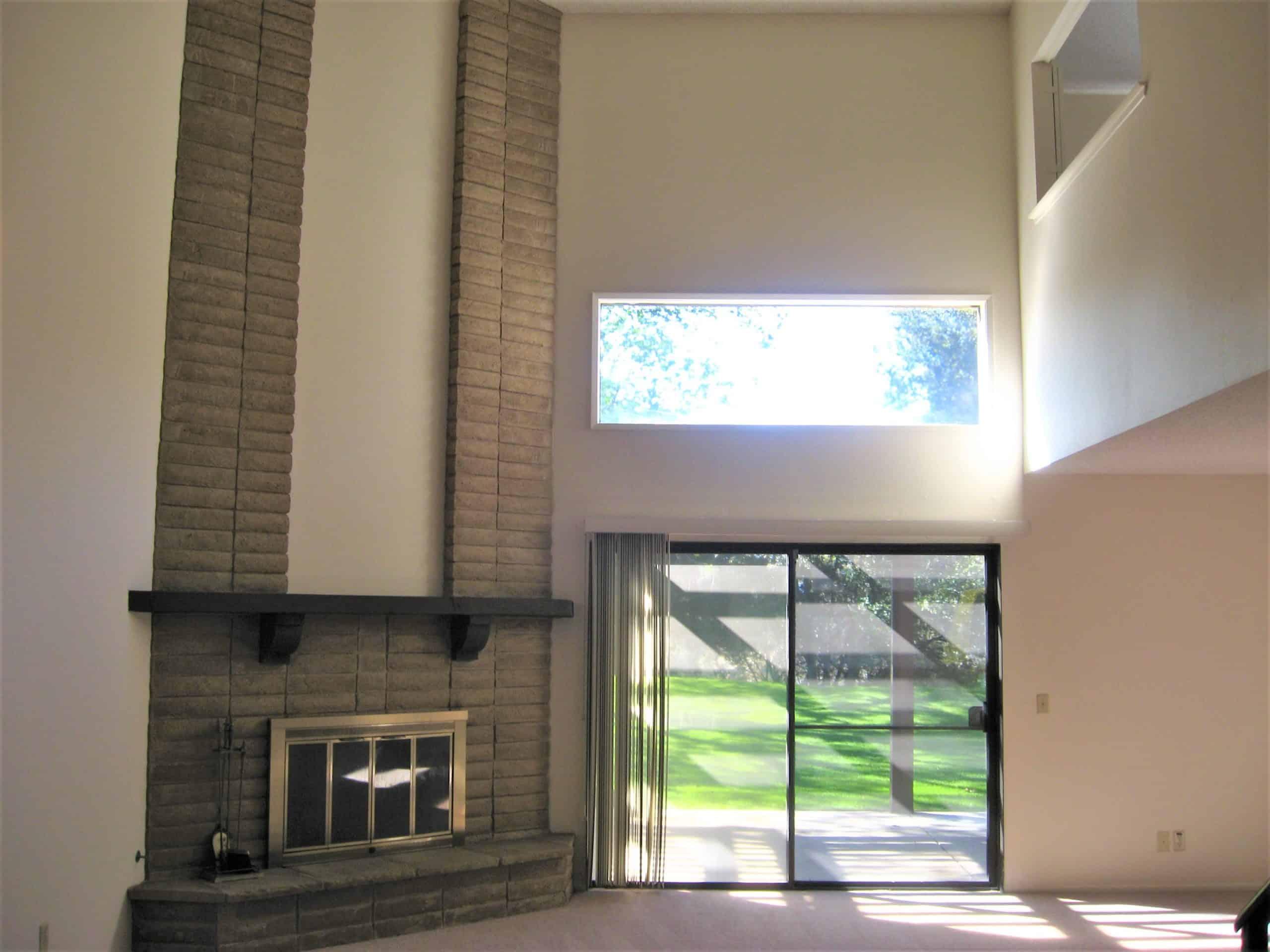 LR w-fireplace-slider