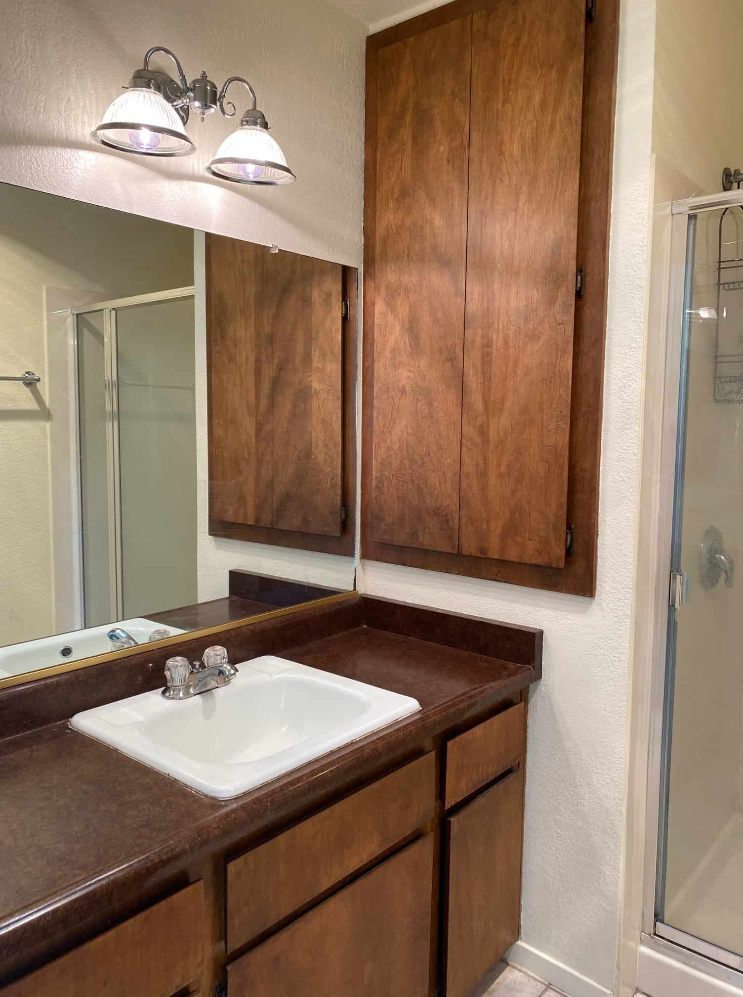 2801 Johnson #6 Master bathroom