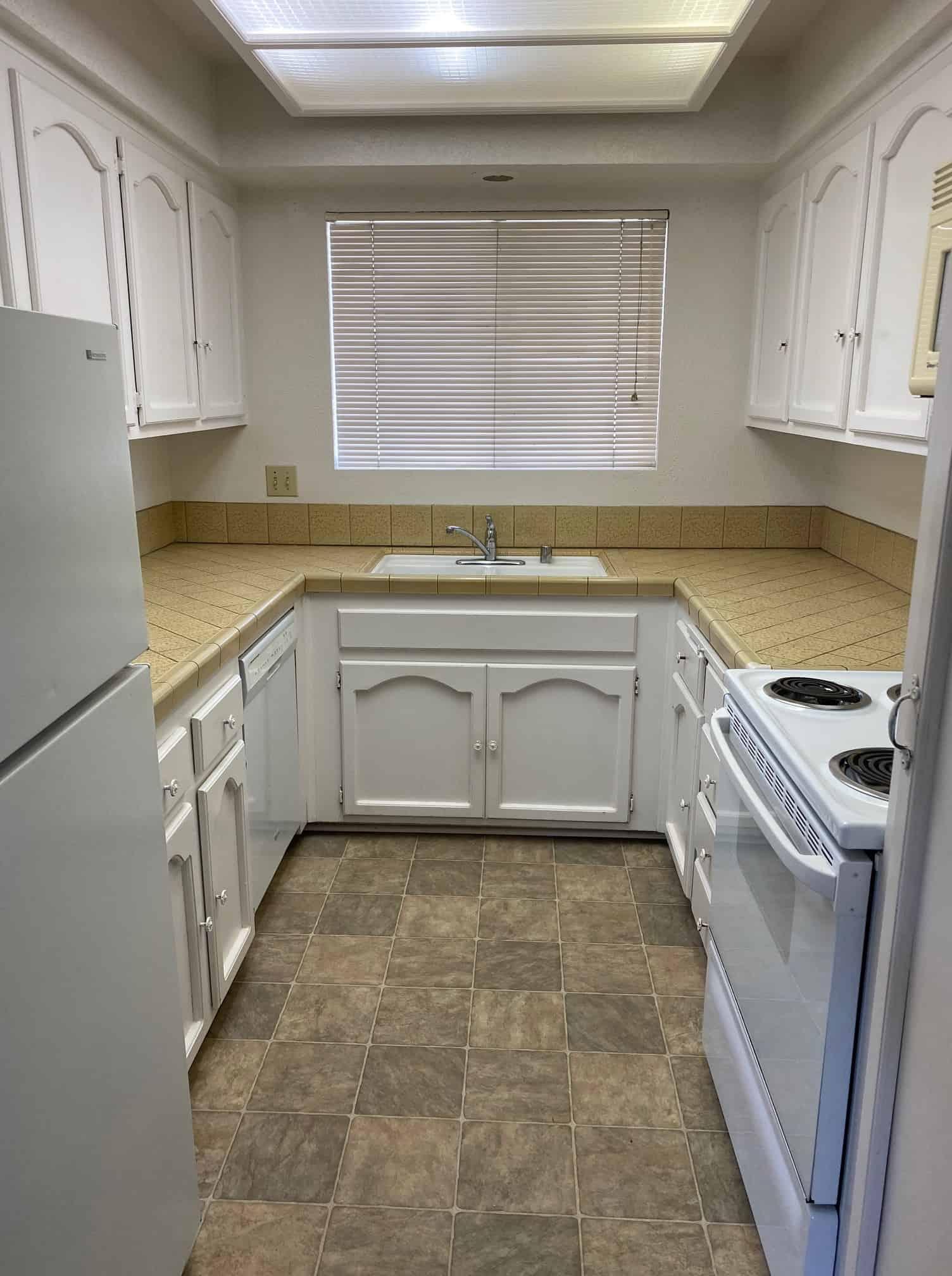 2801 Johnson #2 kitchen