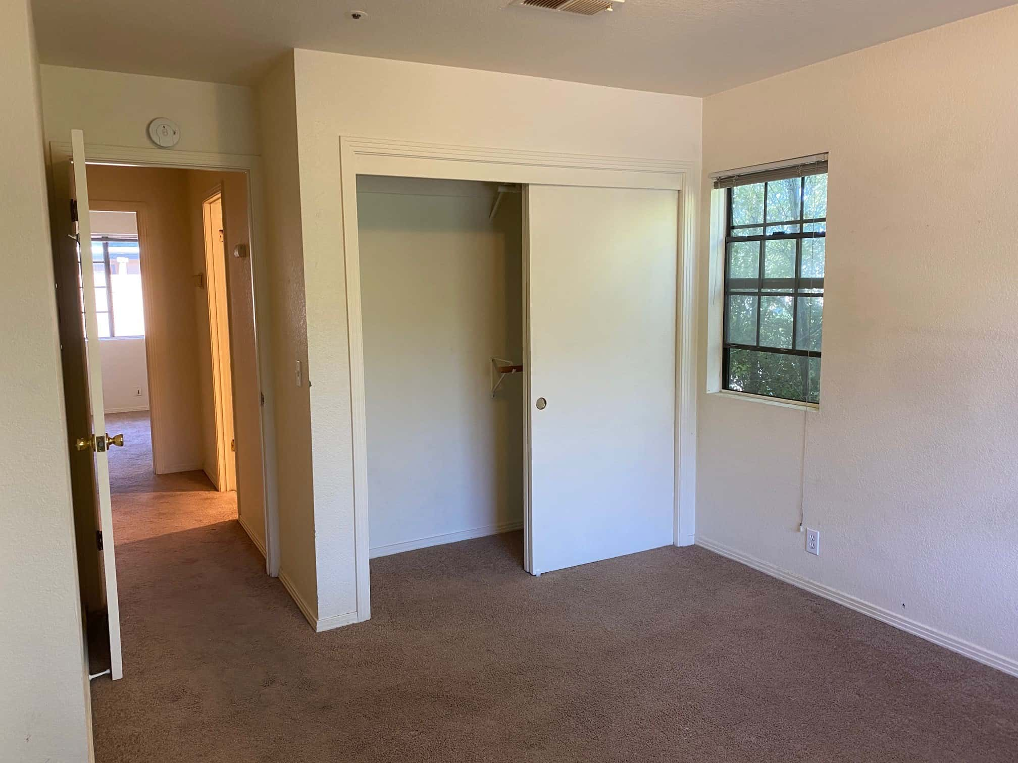 Right bedroom 2